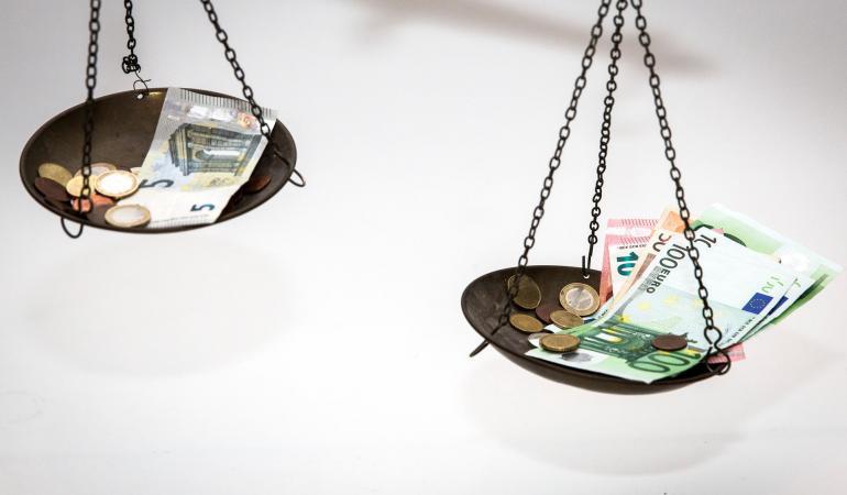Wat is belangrijk bij het maken van beslissingen rondom het stopzetten van de vergoeding van zorg? 1